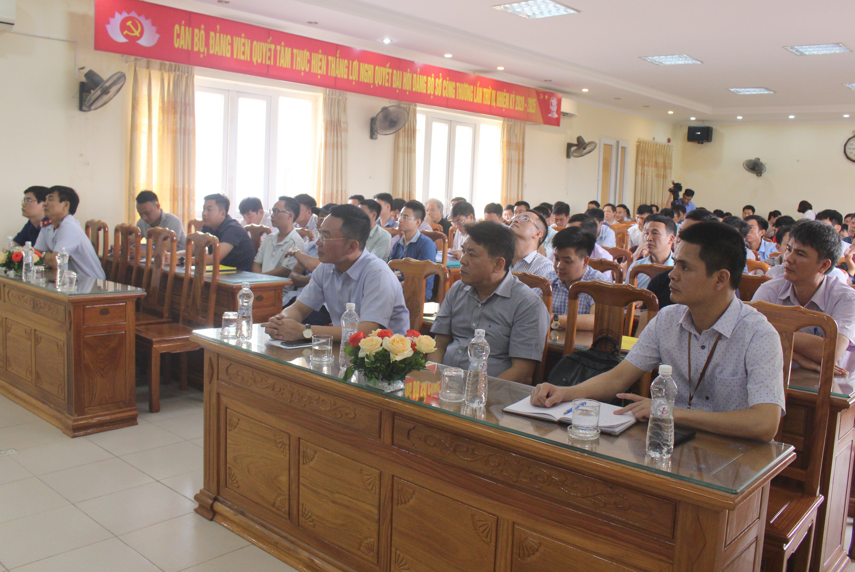 Các học viên tham dự hội nghị huấn luyện kỹ thuật an toàn vật liệu nổ công nghiệp.JPG